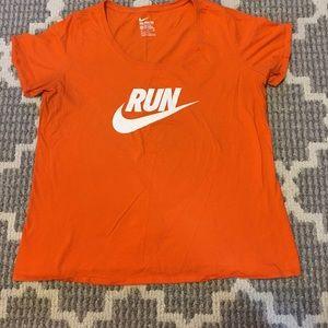 🏃♀️Nike Women's Run T-shirt